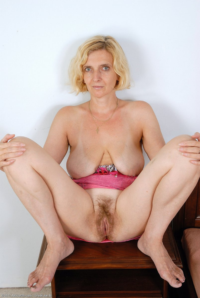 free milf and grannie videos jpg 1200x900