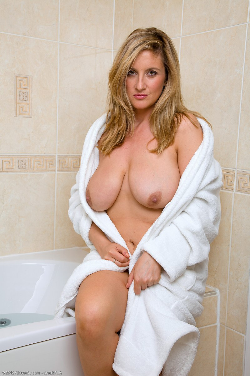 Adult clip free streaming video
