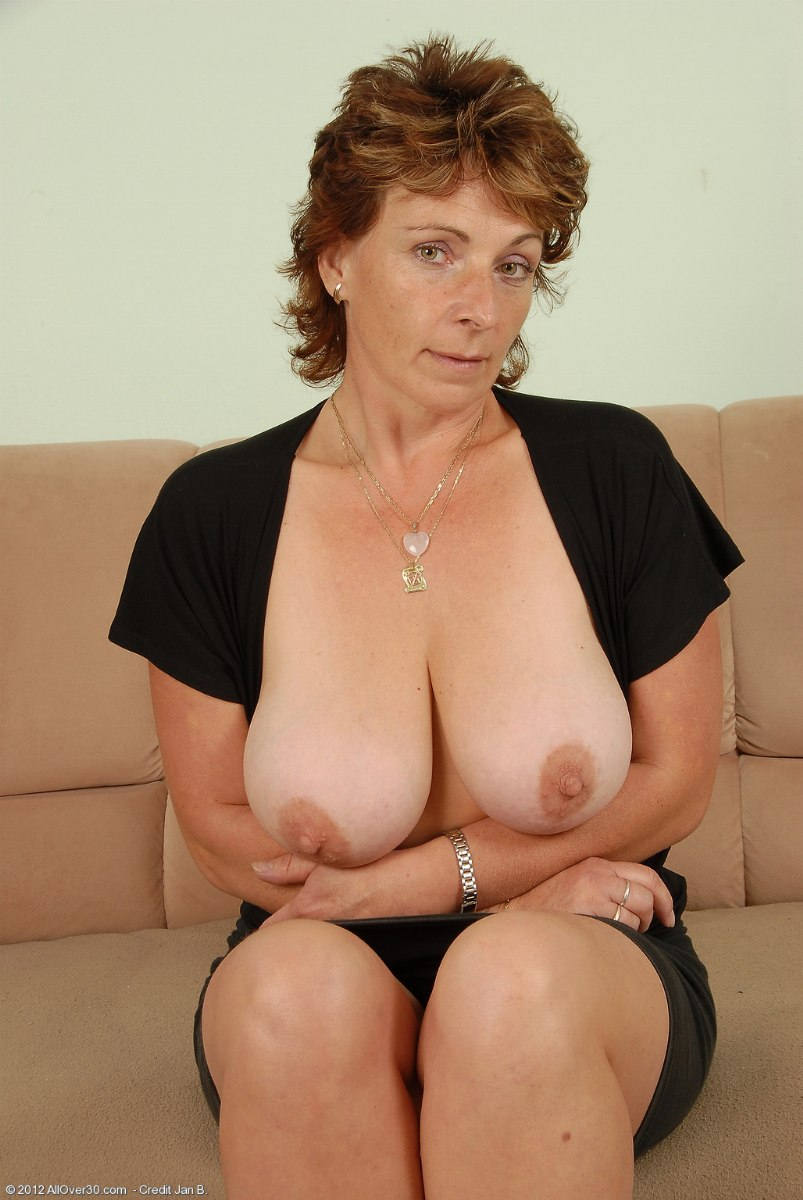 Busty mature porn clips