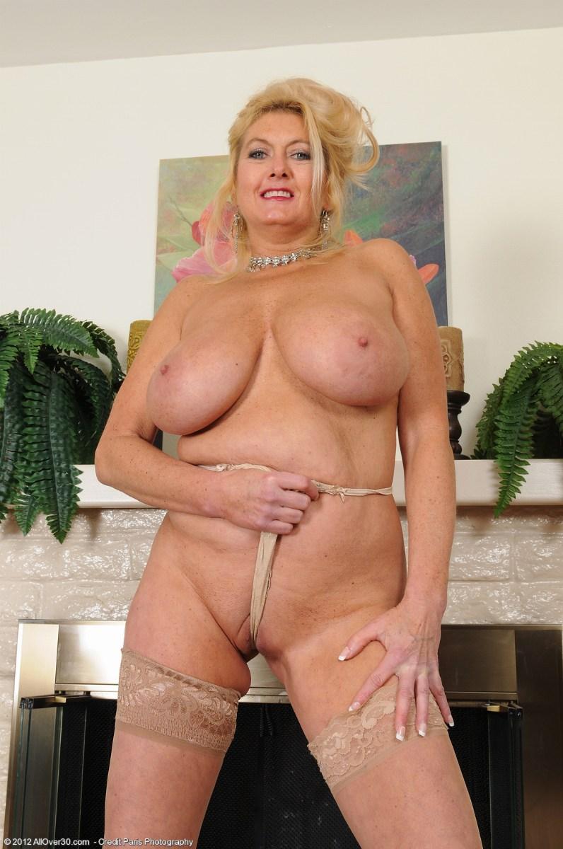 Порно женщины фото сисястые сорокалетние