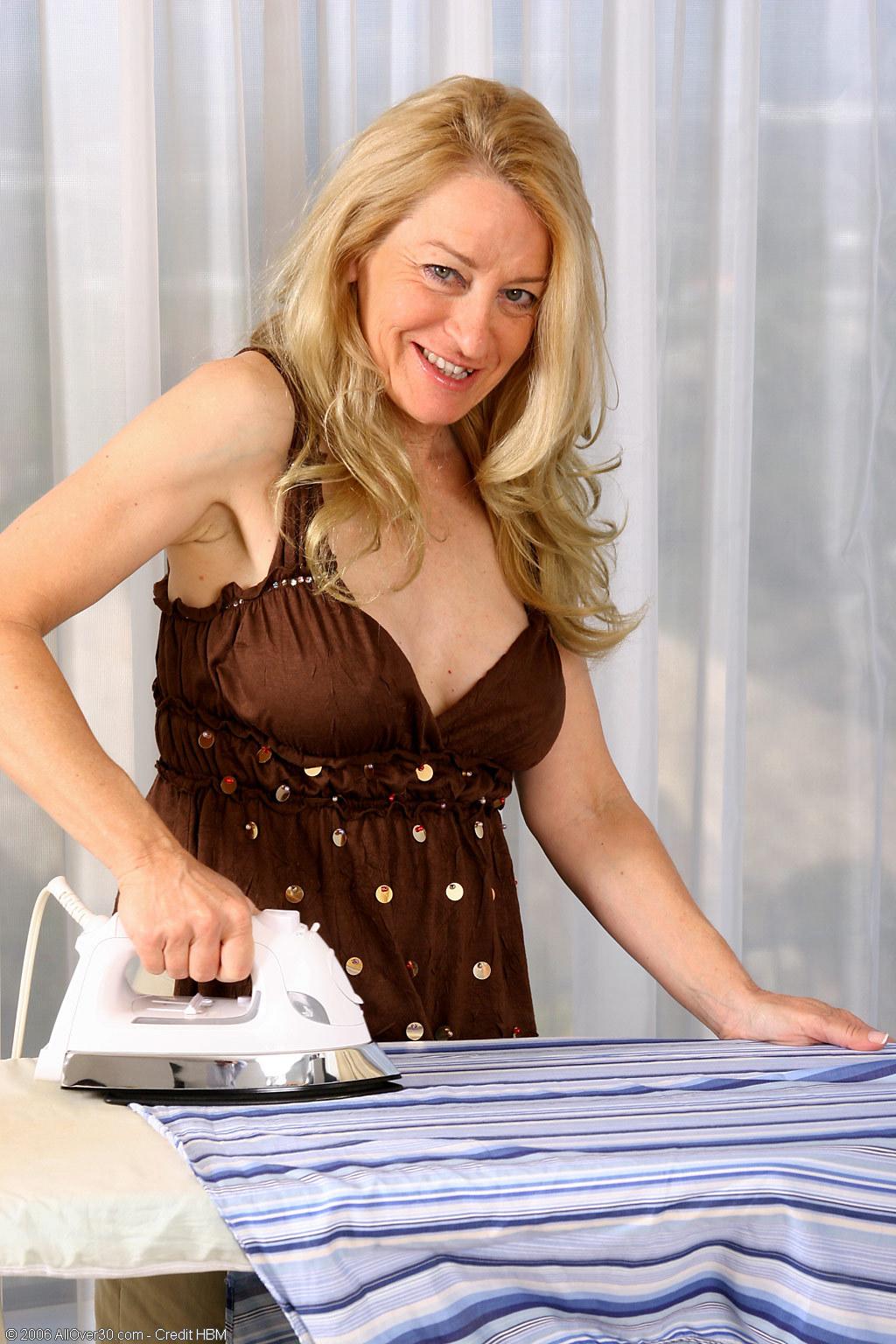 Nude ironing