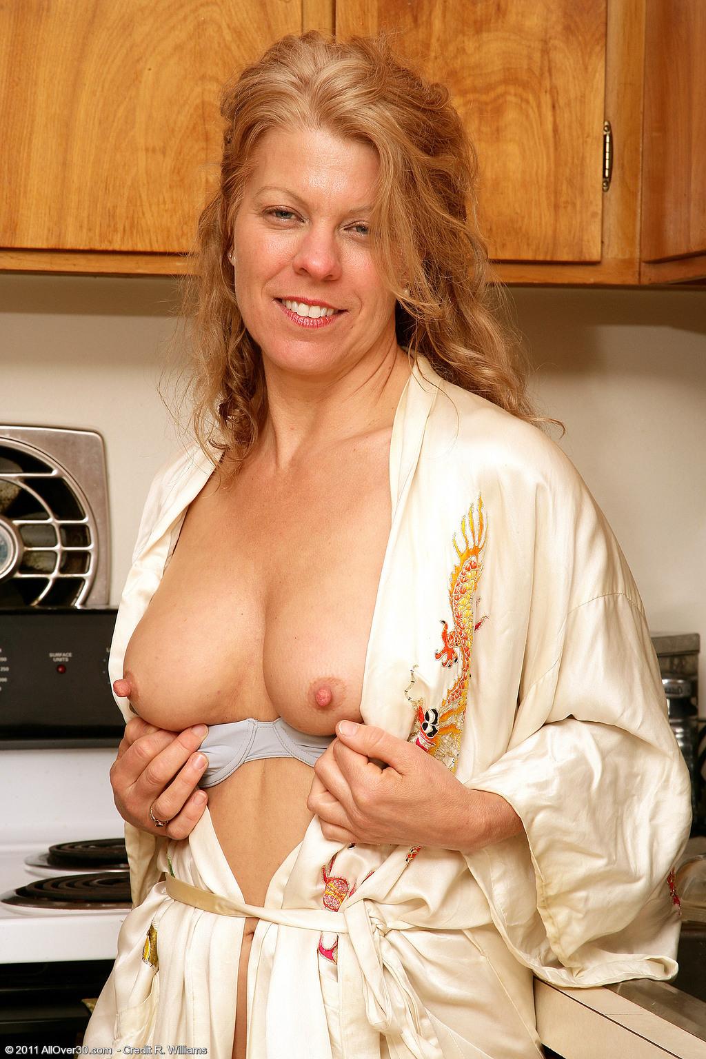 Mature Housewifes Lauren 87