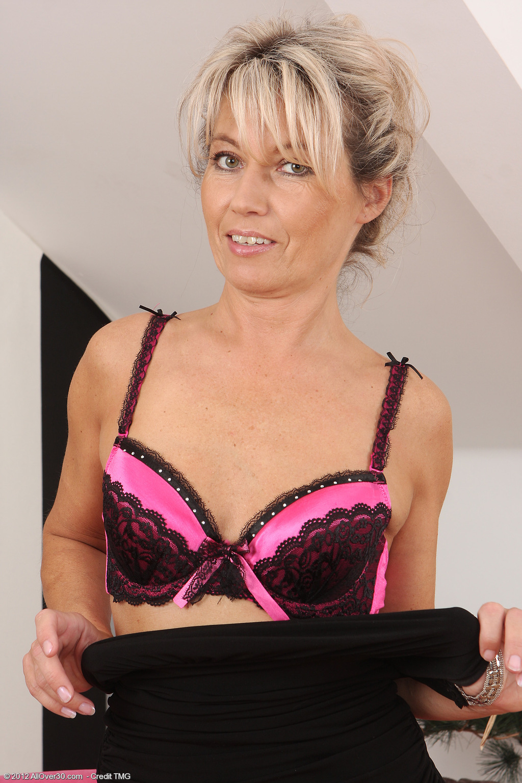 All Over 30 Free Milf And Mature Porn From