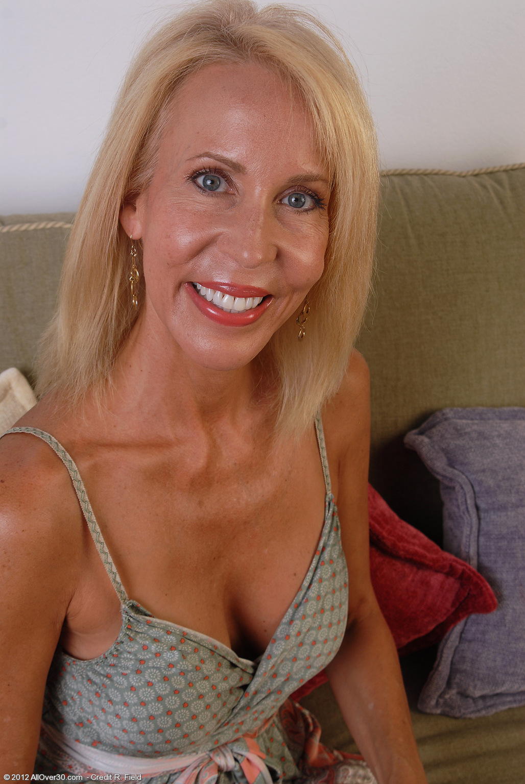 u a e hairy naked women photo