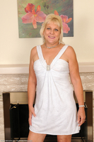 Sindy Blonde Wife