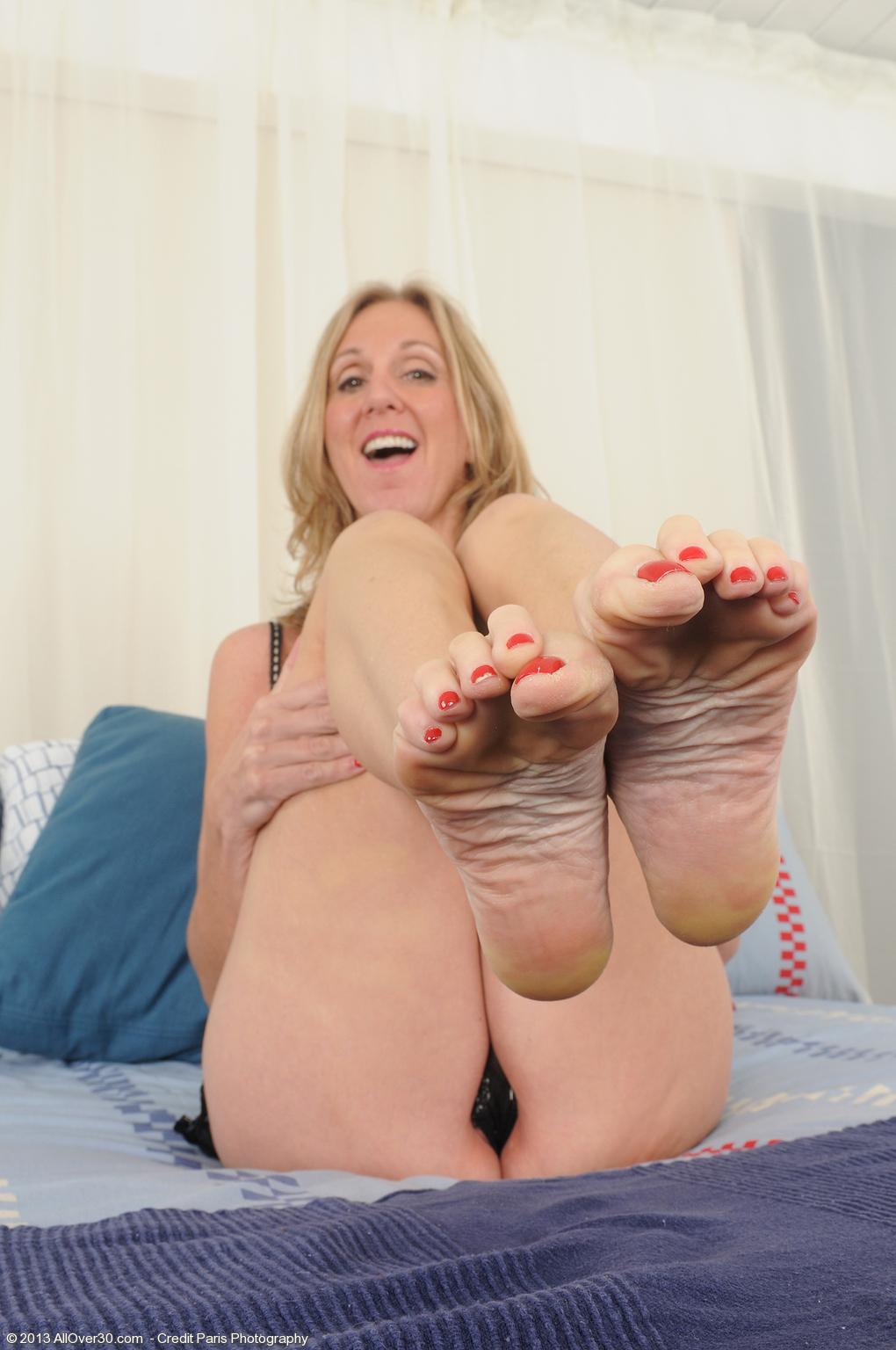 mature feet sexy Hot