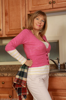 Busty Housewife Lilli