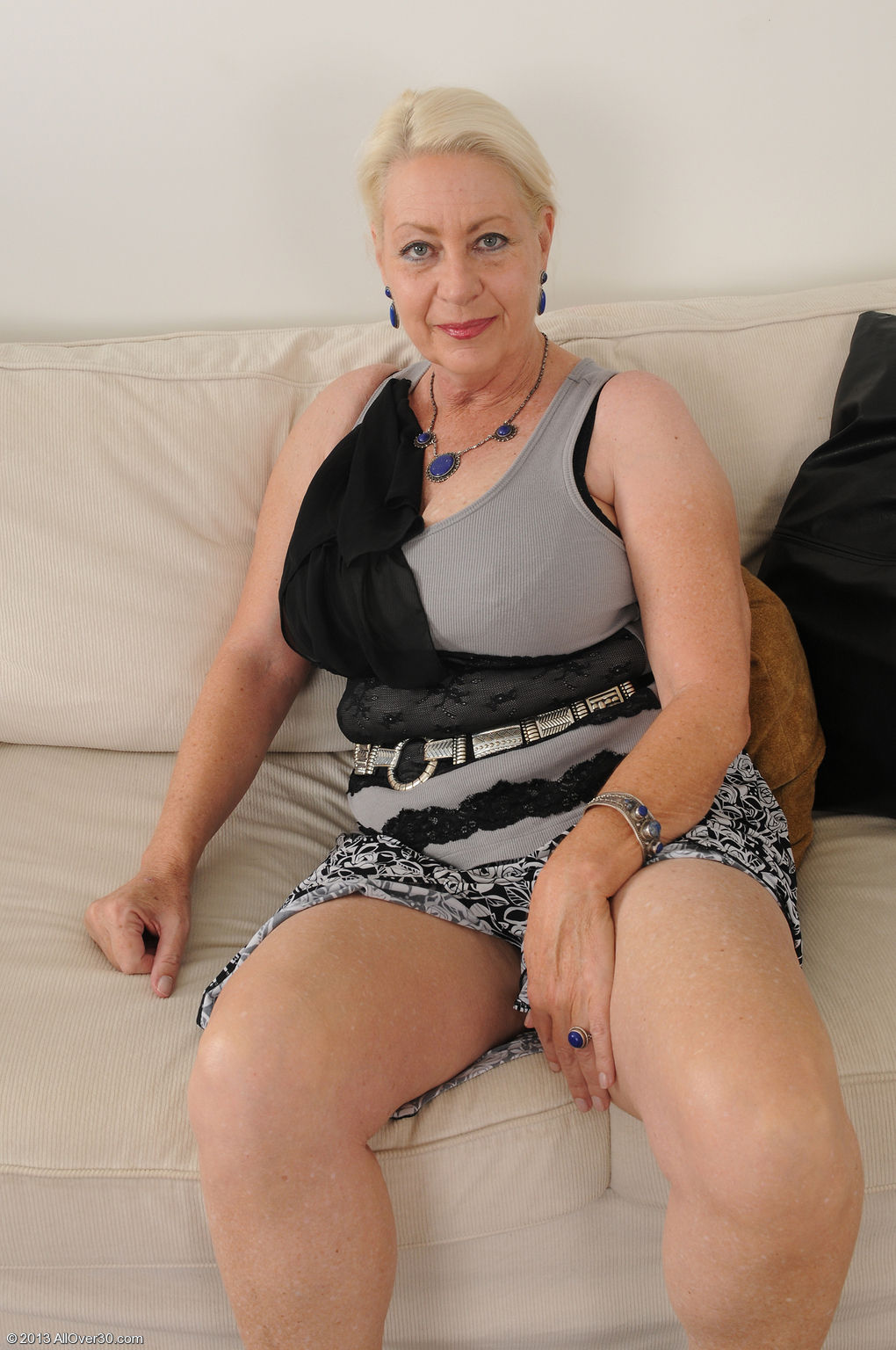 40 plus milf from bristol uk rides dildo on holiday 5