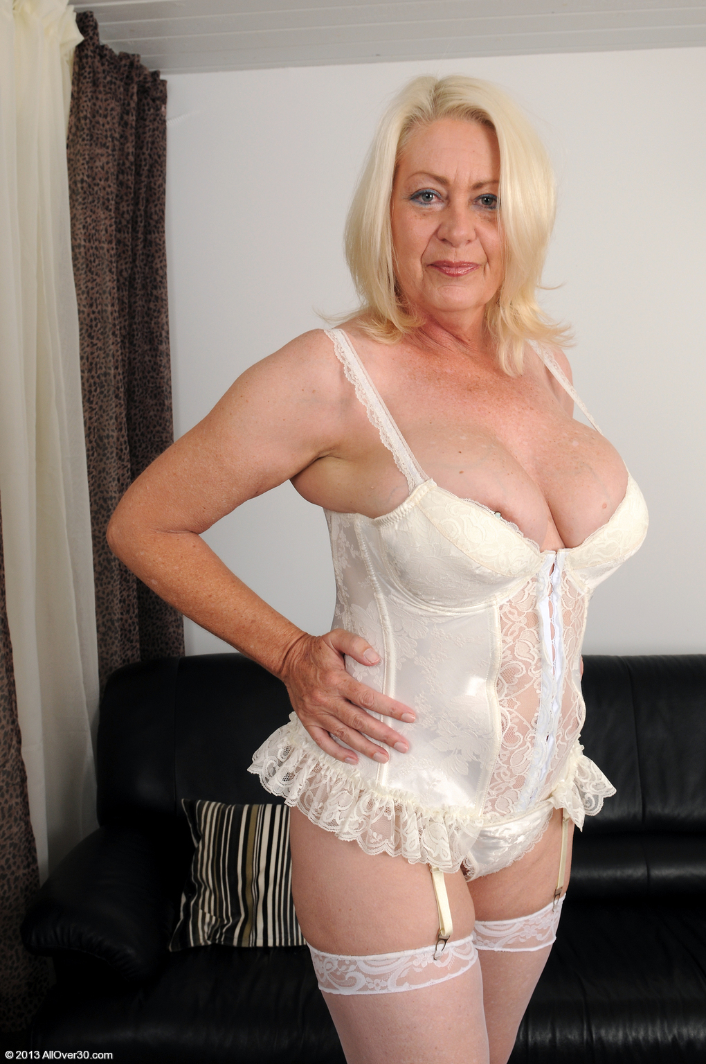 plump www escort london