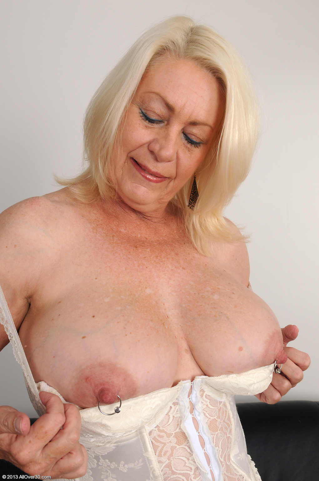 Absolutely busty granny picures can look