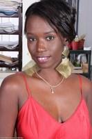 Ebony MILF Sayanna