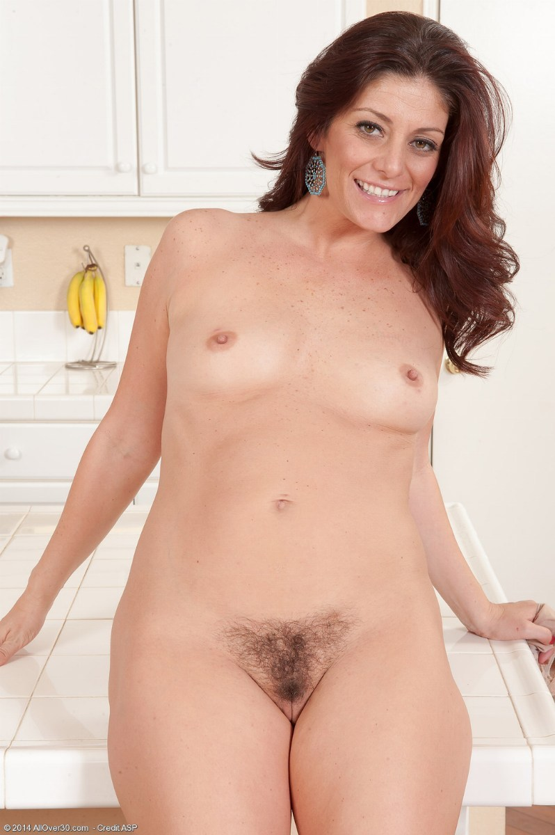 Enjoy hairy milf the few