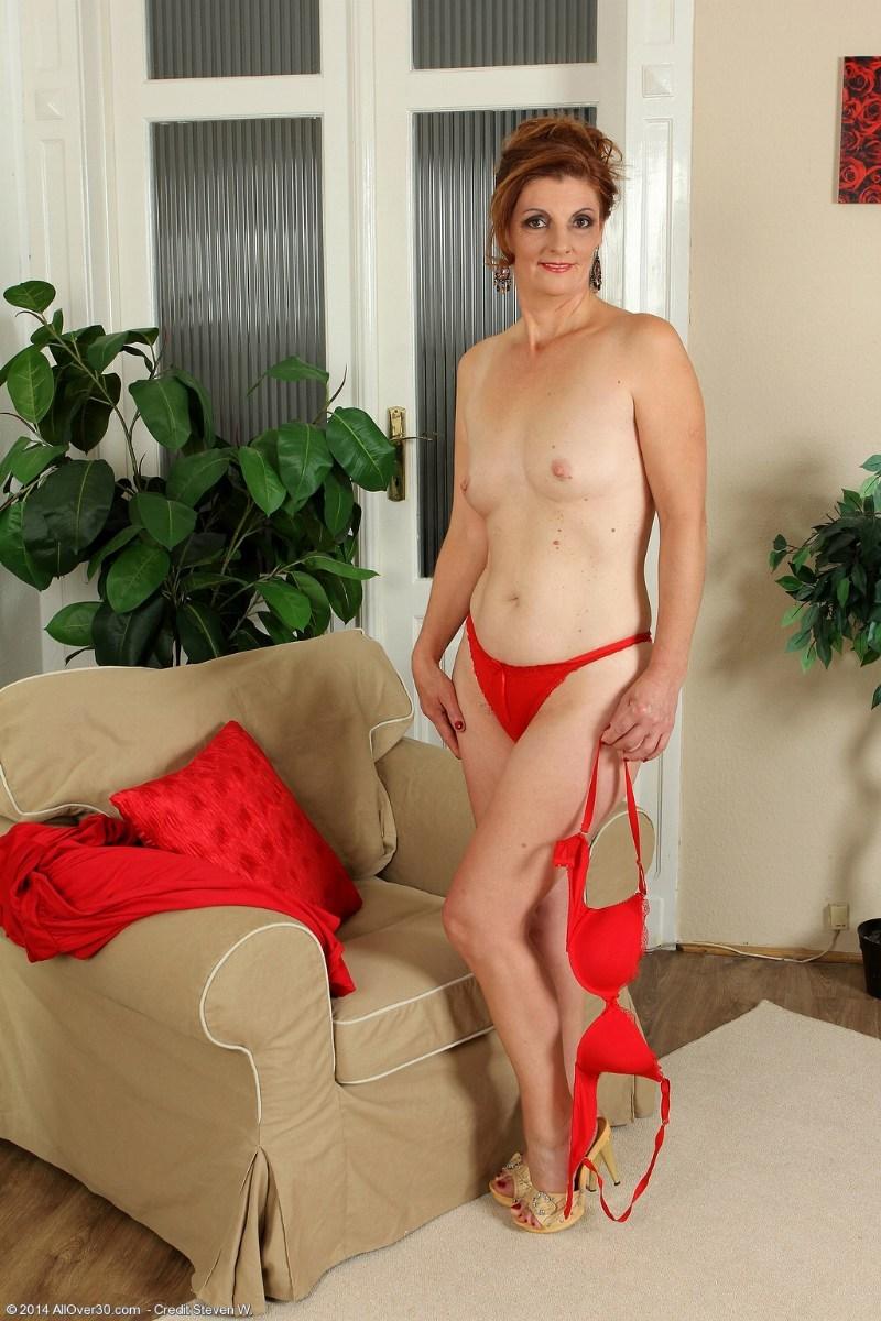 mature redhead free pics