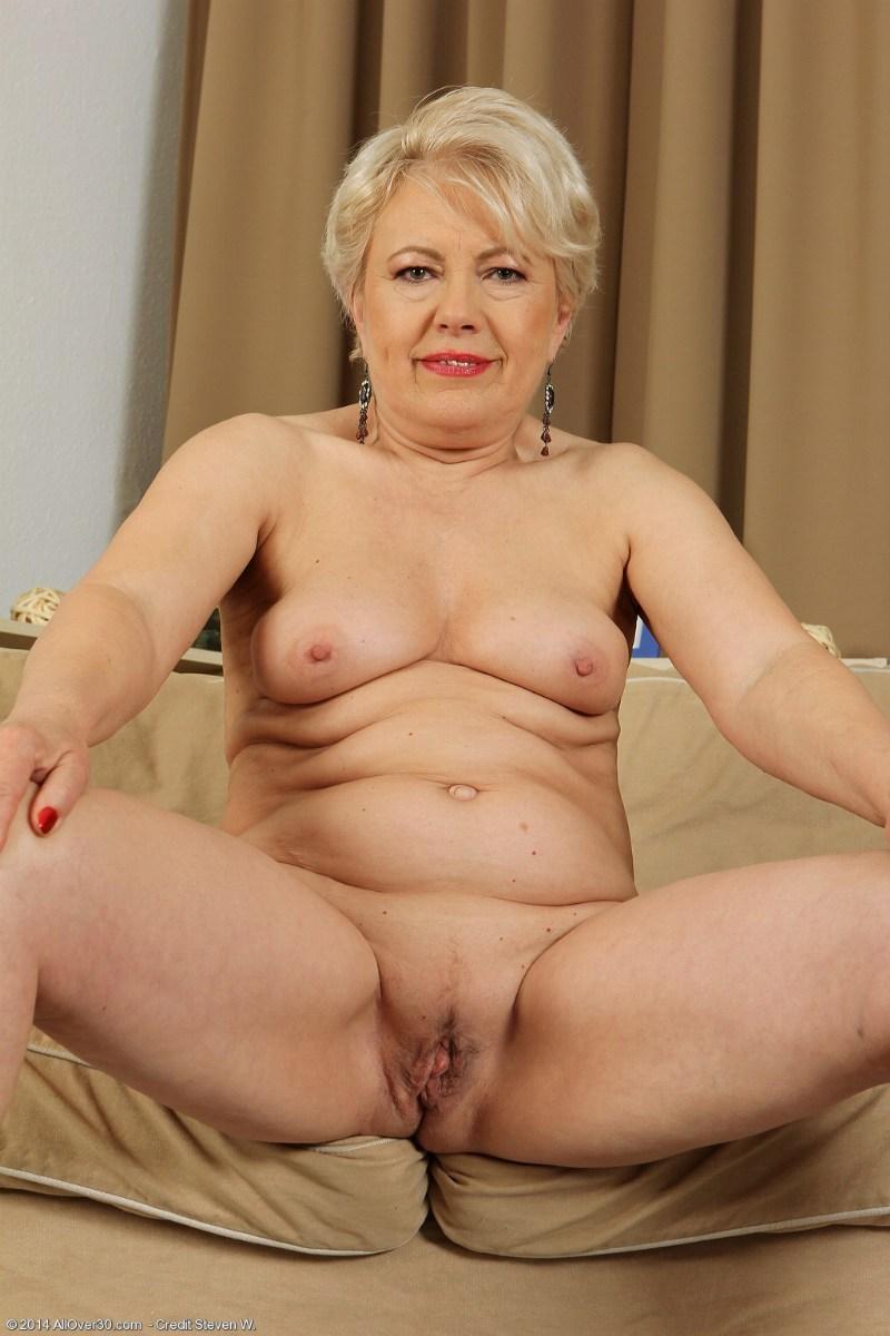 Free horny grannies