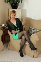 Cougar Tina In Stockings