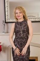 Elegant Wife Isabelle B