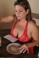 Marie Naked Breakfast