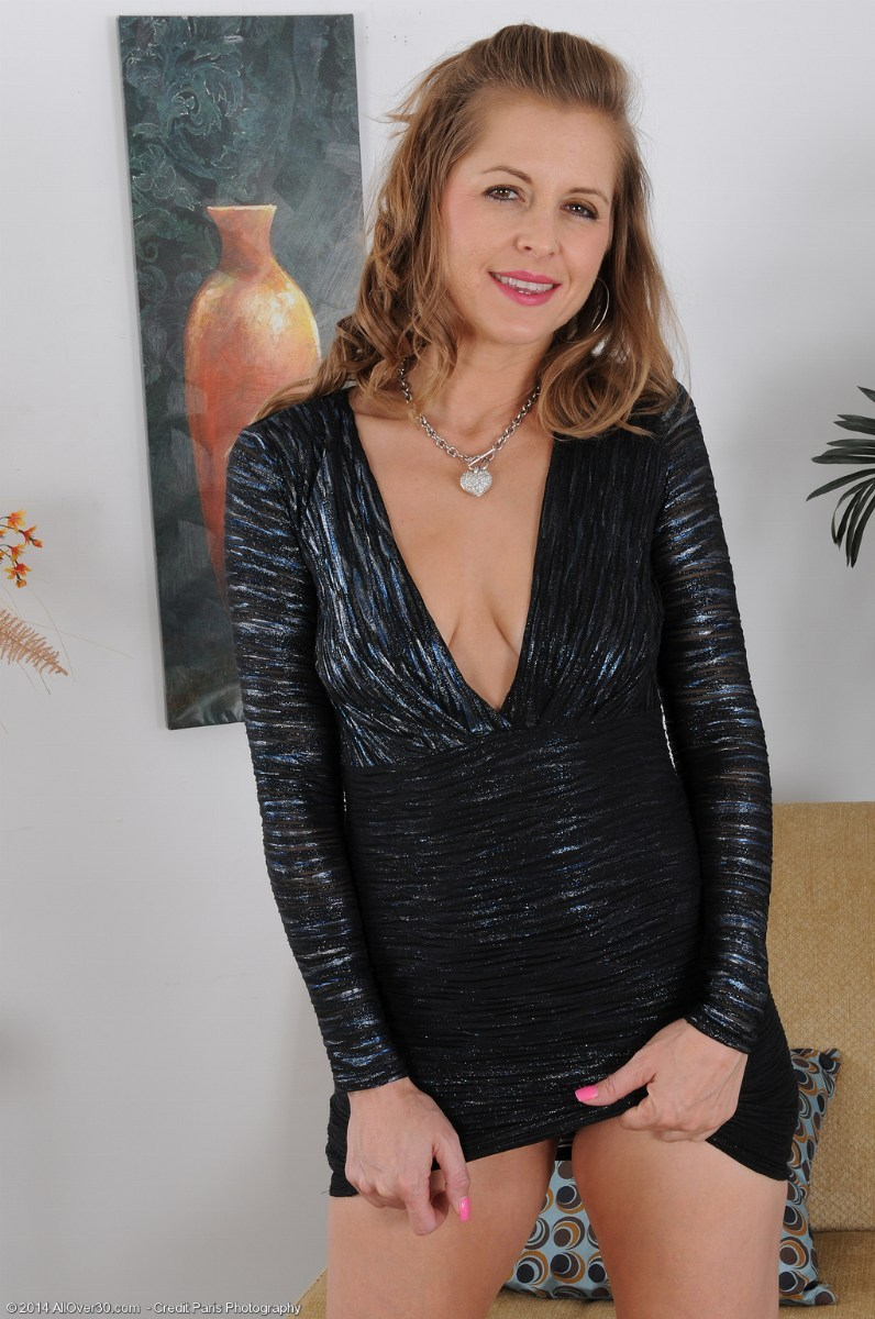 Rose Seductive Milf 18