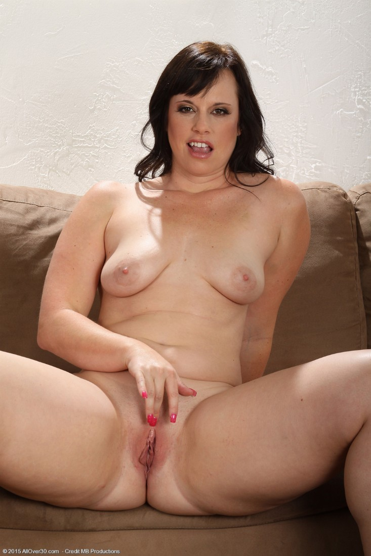 picture of nude brunette with penis in vagina
