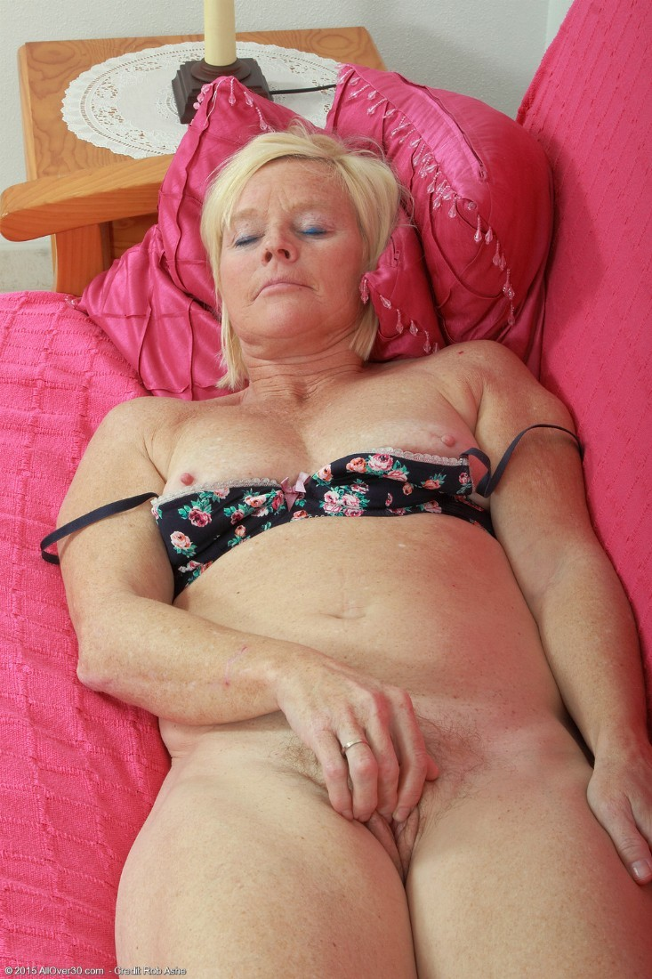 53 year old granny fucks her old pussy with a dildo - 2 10