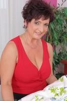 Older Wife Jessica Wild