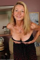 Pam Roberts Elegant Cougar