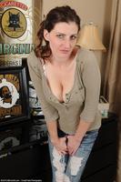 Sabrina Nice Cleavage