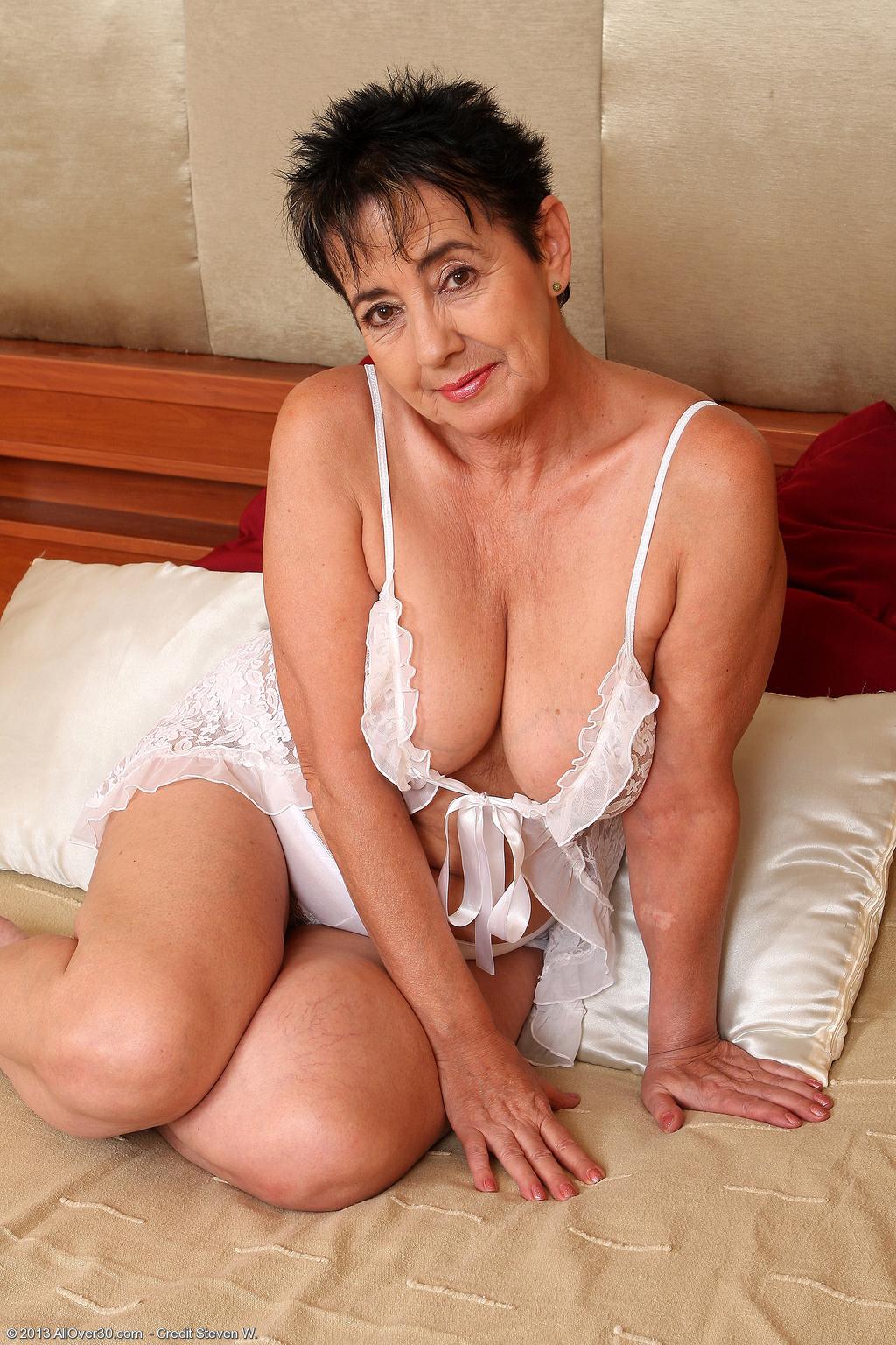 Yvette Porn