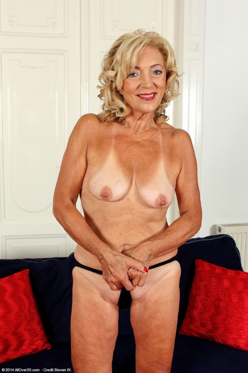 kamilla cum sexy old ladies