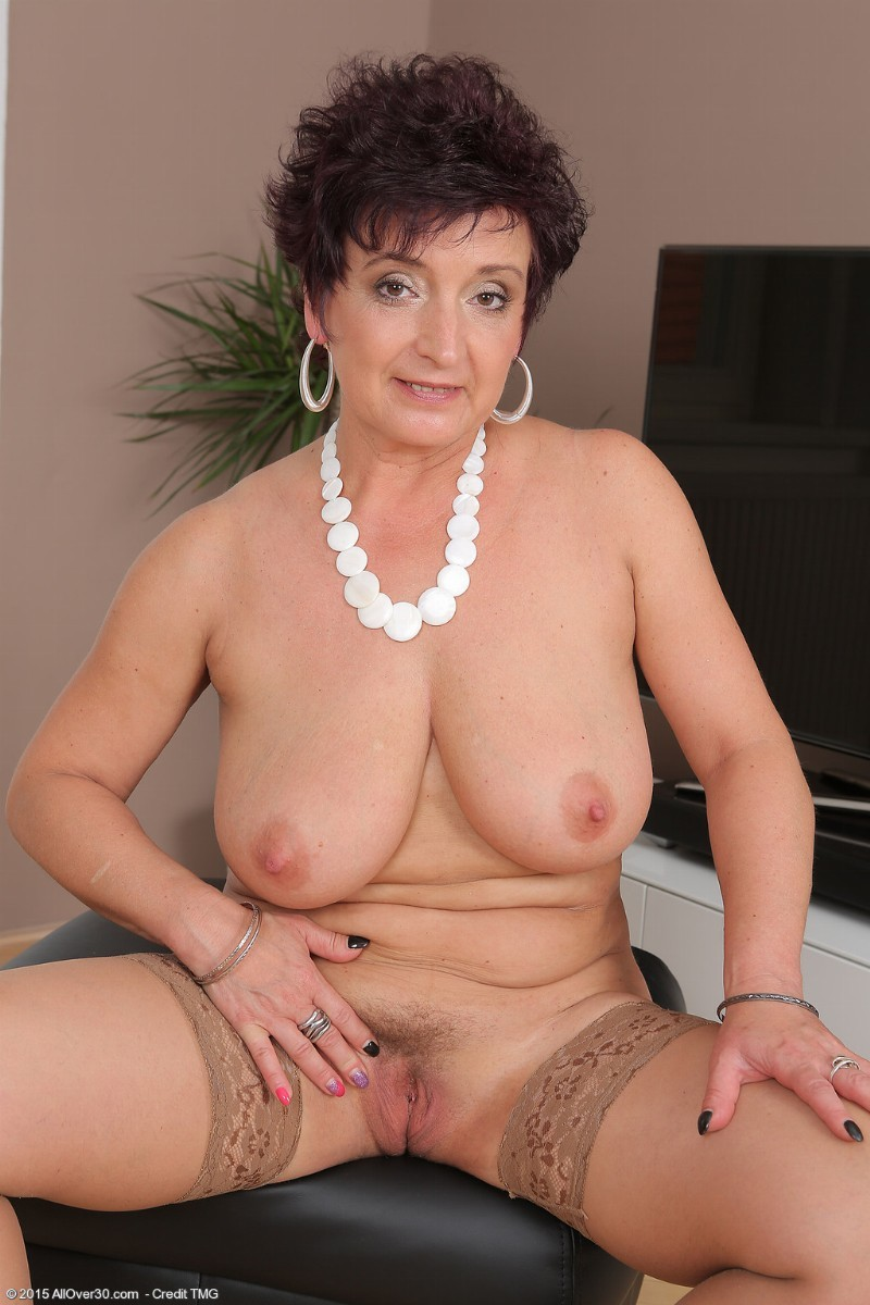 Curvy wife
