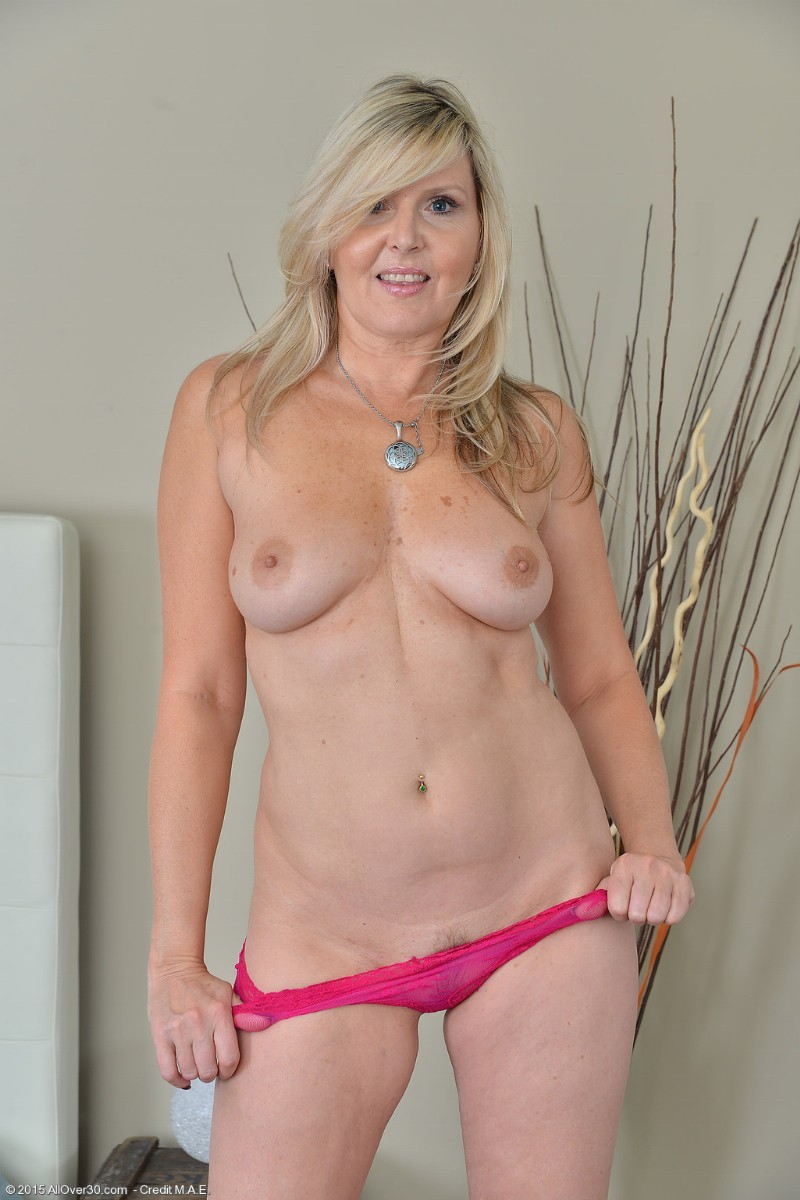 Was sexy mature naked wives free