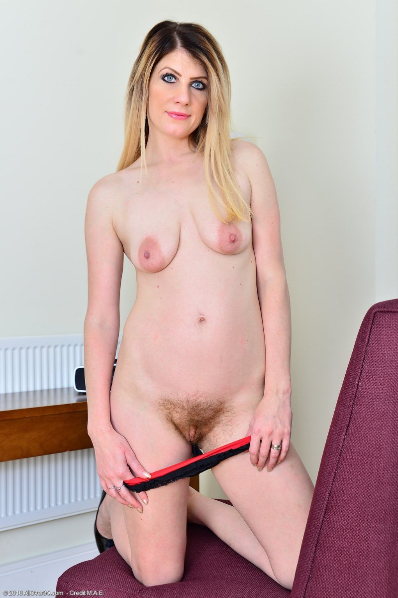 Sexy ashleigh mckenzie from uk gets off her hairy pussy - 1 part 6