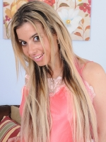 Alana Luv